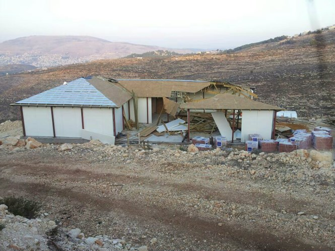 Half-demolished house in Elon Moreh