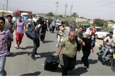 Gaza Arabs at Rafiah crossing