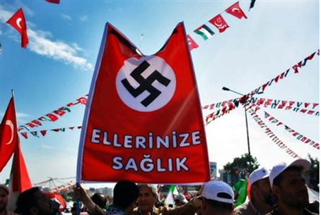 Nazi flag hoisted by Turkish flotilla support