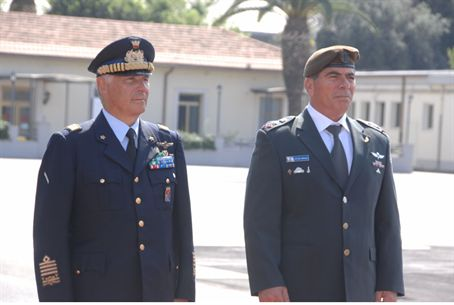 Gen. Ashkenazi (right) and Gen. Camporini