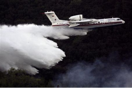 Russian fire-fighting plane over Carmel fire.