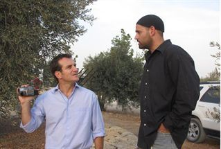 Channel 2 anchorman visits Shomron (file)