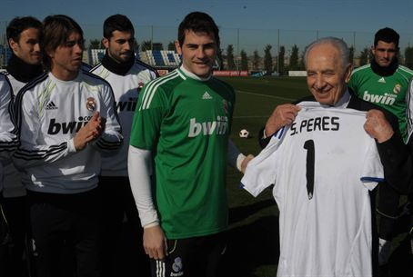 President Peres with Madrid Soccer Stars