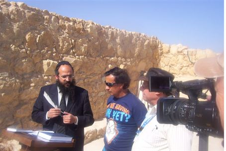 Rabbi Shimon Elharar with miners