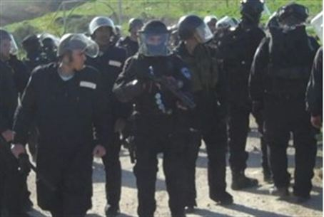Armed police at Havat Gilad