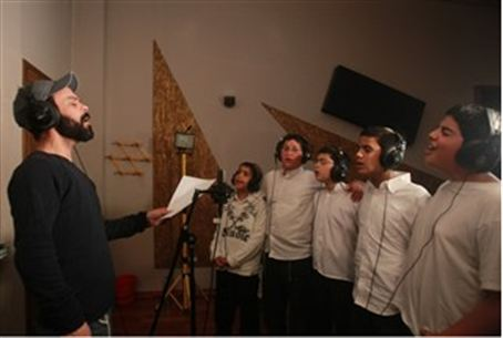Amir Benayun and the Pirchei Yoav choir