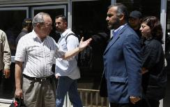 Goldstone (left) with Hamas representative