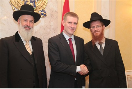 PM Luksic, Chief Rabbi Metzger, Rabbi Kaplan