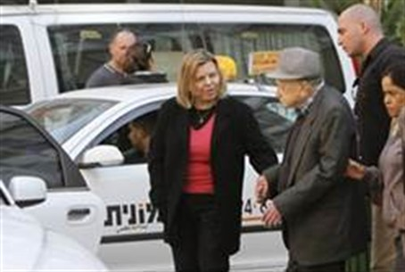 Sarah Netanyahu with her father