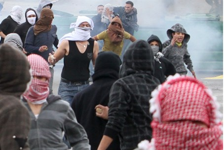 Arab rioters
