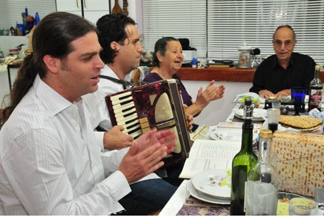 Family members celebrate Passover in Israel
