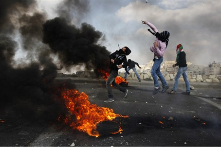 PA Arabs riot on Land Day