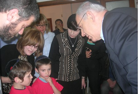SULAM's children console PM Netanyahu on deat