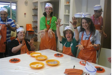 Shevet Yuval grads at a chocolate workshop