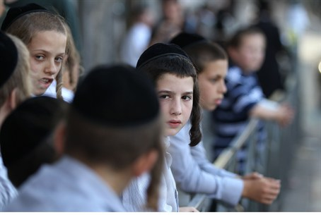 Hareidi-religious boys in Meah Shearim