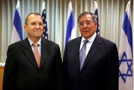 Barak poses with Panetta for photo-op