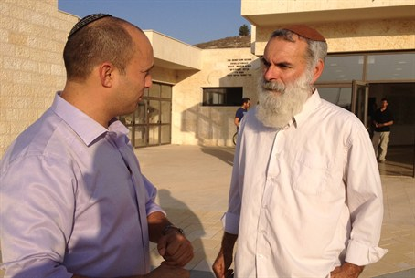 Naftali Bennet met with Mishkan Ehud's Rabbi
