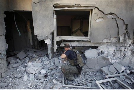 Be'er Sheva home damaged by Gaza rocket