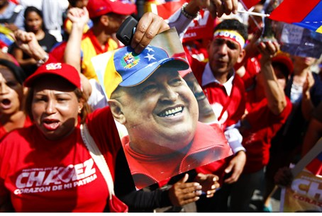 Supporters in Caracas celebrate Chavez's retu
