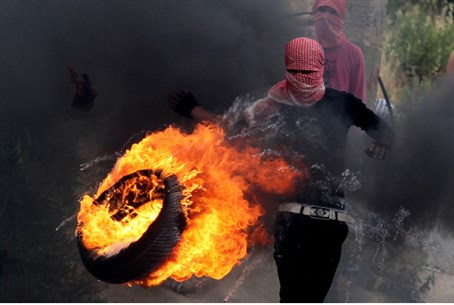 Arabs riot on 'Nakba Day'