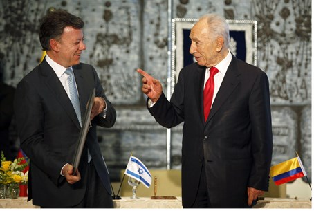 President Shimon Peres and Colombian counterp