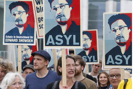 rally in support of Edward Snowden