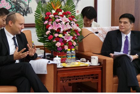 Naftali Bennett meets with Chinese officials