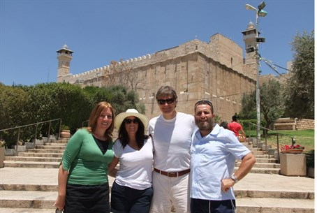 Dr Oz with Rabbi Boteach, outside the Cave of