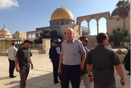 Uri Ariel on Temple Mount
