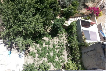 Aerial shot of courtyard of the Machpelah