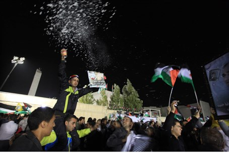 Arabs celebrate terrorist release in Ramal