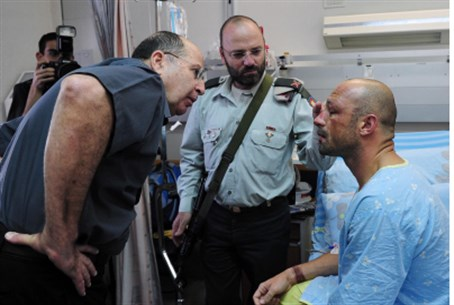 Yaalon with injured soldier