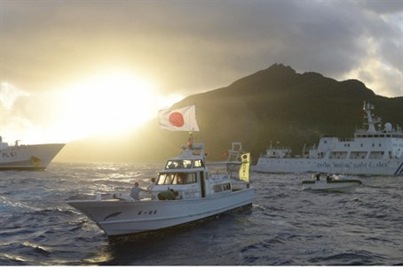 Japanese and Chinese vessels face off at Senk