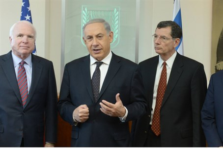 Netanyahu seen with Senators Graham, Barrasso