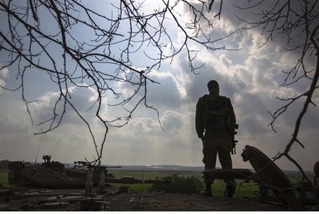 IDF soldier on the border with northern Gaza