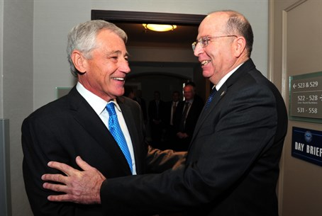 Moshe Ya'alon and Chuck Hagel (file)