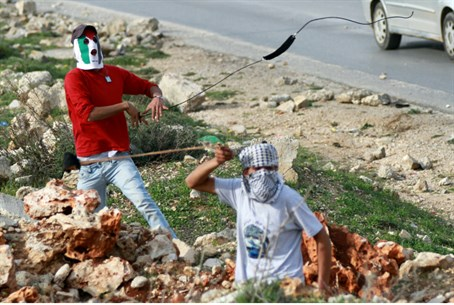 Masked Palestinian Arab teenage terrorists