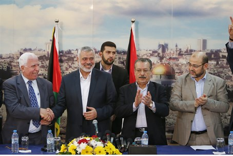 Senior Hamas, Fatah officials celebrate unity