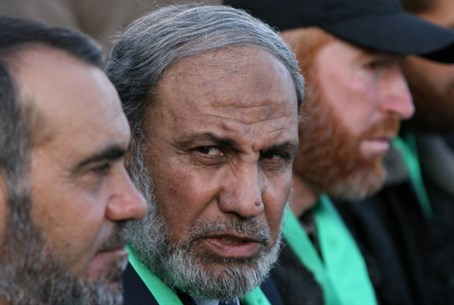 Hamas leader Mahmoud al-Zahar (center)