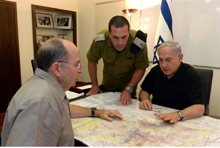 Netanyahu meets with Defense Minister Yaalon