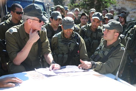 Lt. Gen. Gantz with troops