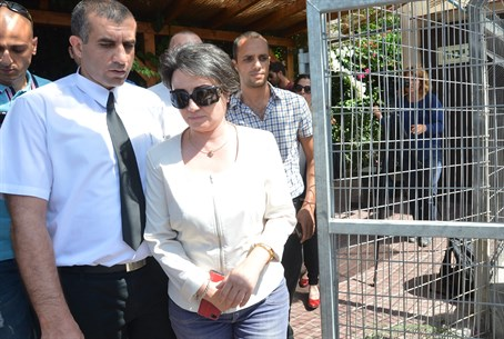 Hanin Zoabi leaving police investigation