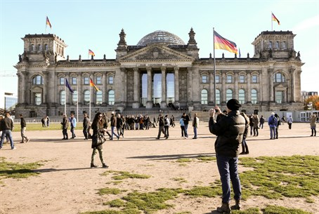 Reichstag building in Berlin, Germany (file)