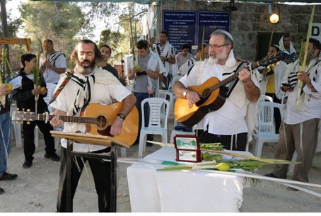 the jewish holiday succot essay The most important jewish holy days are the sabbath, the three pilgrimage  festivals (passover, shavuot, and sukkot) and the two high holy.