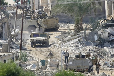 Egypt expels and destroys in Gaza