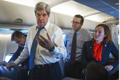 John Kerry with other State Dept. staff (file)