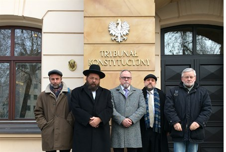 Rabbis hail lift on kosher slaughter ban in Poland