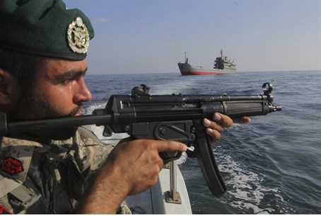 Iranian naval commando (file)