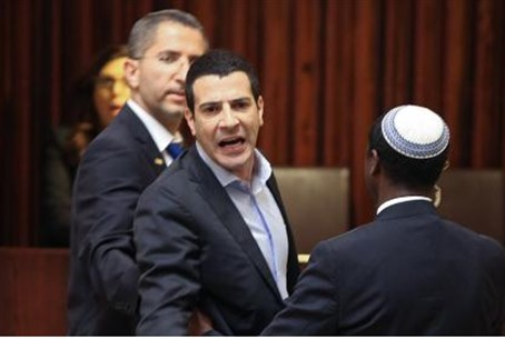 MK Gal removed from plenum while arguing with Arab MKs, May 12, 2015.