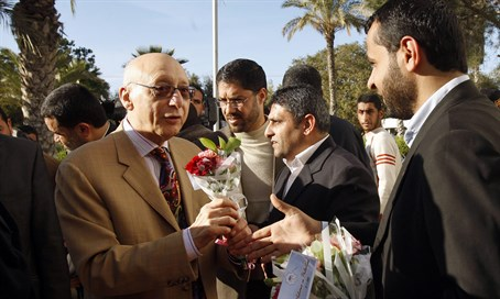 Gerald Kaufman is greeted by Hamas officials during 2010 visit to Gaza